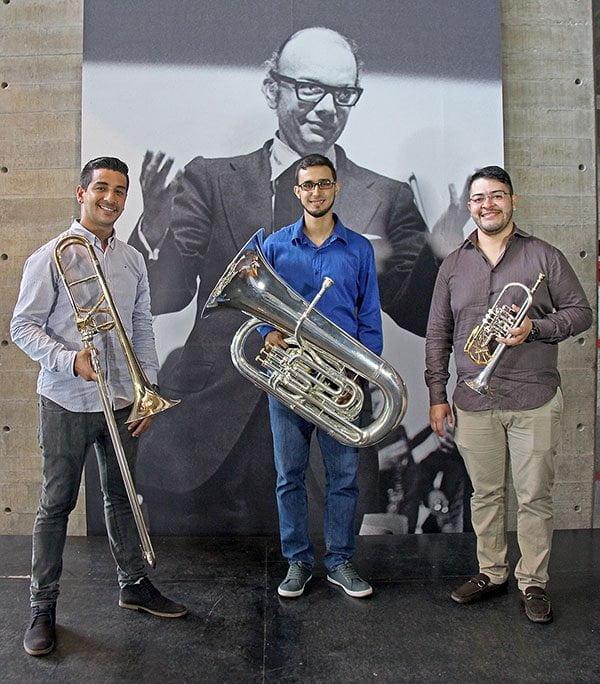 El tubista Igor Martínez estrena su primera composición para una orquesta