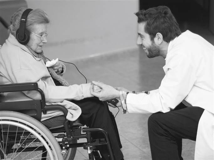 «Las canciones de su vida ayudan a los enfermos de alzhéimer»