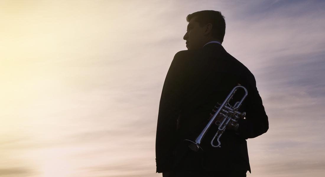 """Pacho Flores dibuja """"Fractales"""" sonoros con su trompeta"""