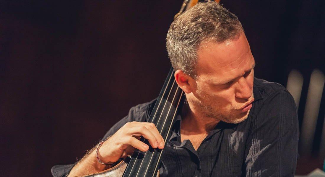 Avishai Cohen, el milagro callejero del jazz israelí