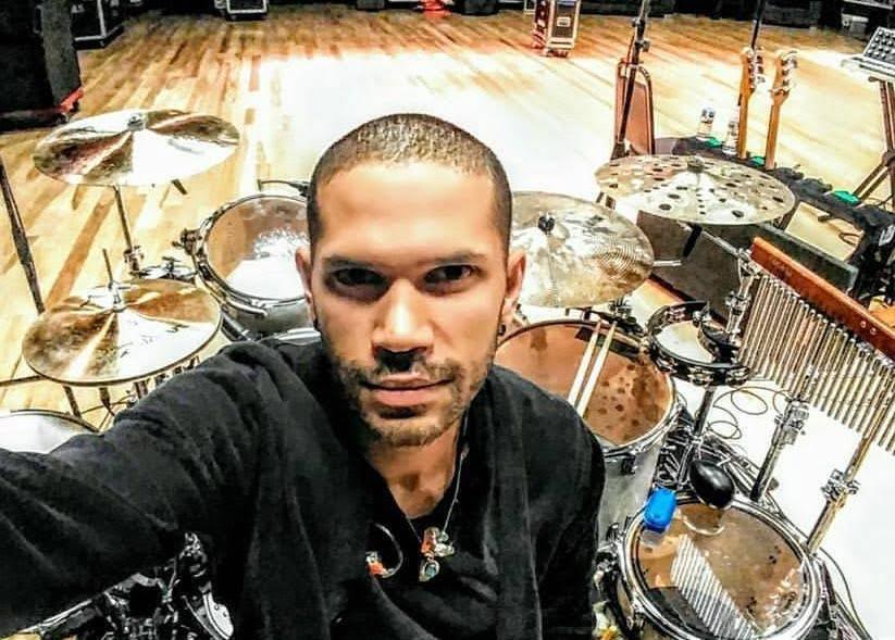 El venezolano Demian Arriaga es percusionista de Nick Jonas