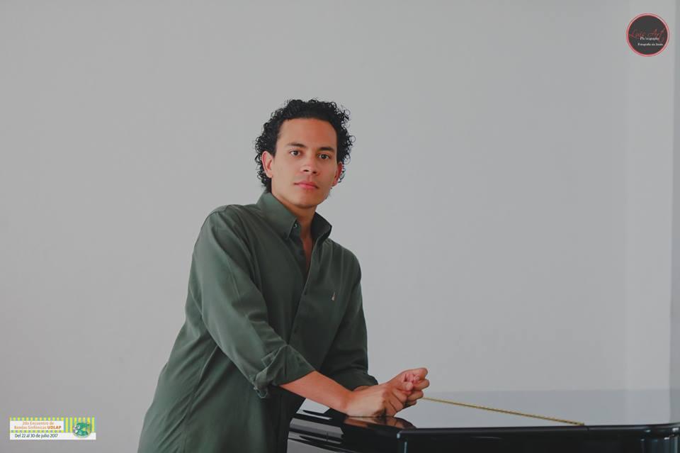 El cantante de ópera Fernando Escalona se ha convertido en el primer contratenor venezolano en formar parte de la Academia de la Ópera Nacional de París