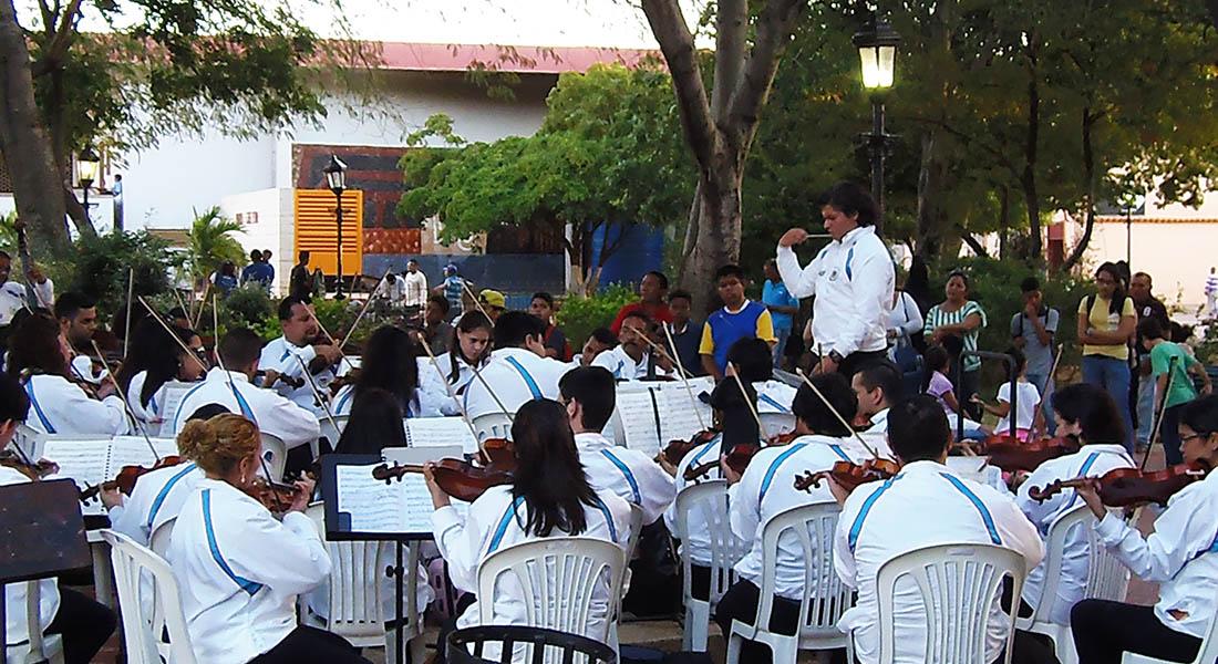 Orquesta Sinfónica de Falcón ofrece concierto a la comunidad