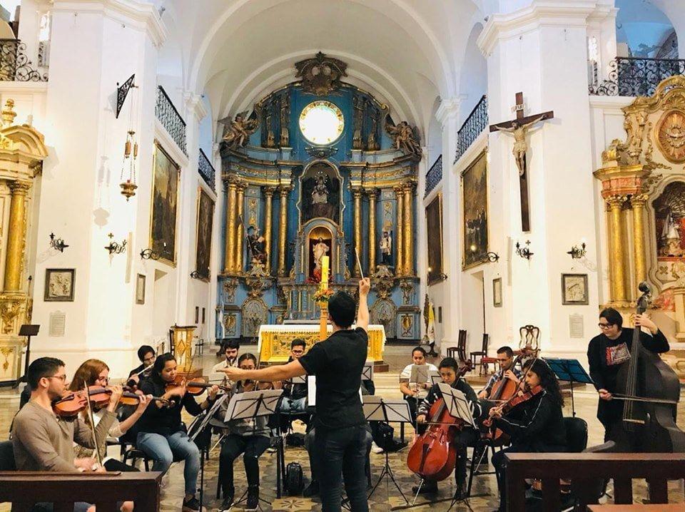Jesús Parra conduce a la Orquesta Sinfónica Internacional de Buenos Aires