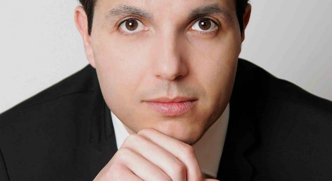 Francisco Valero-Terribas conduce a la Orquesta Sinfónica de Falcón