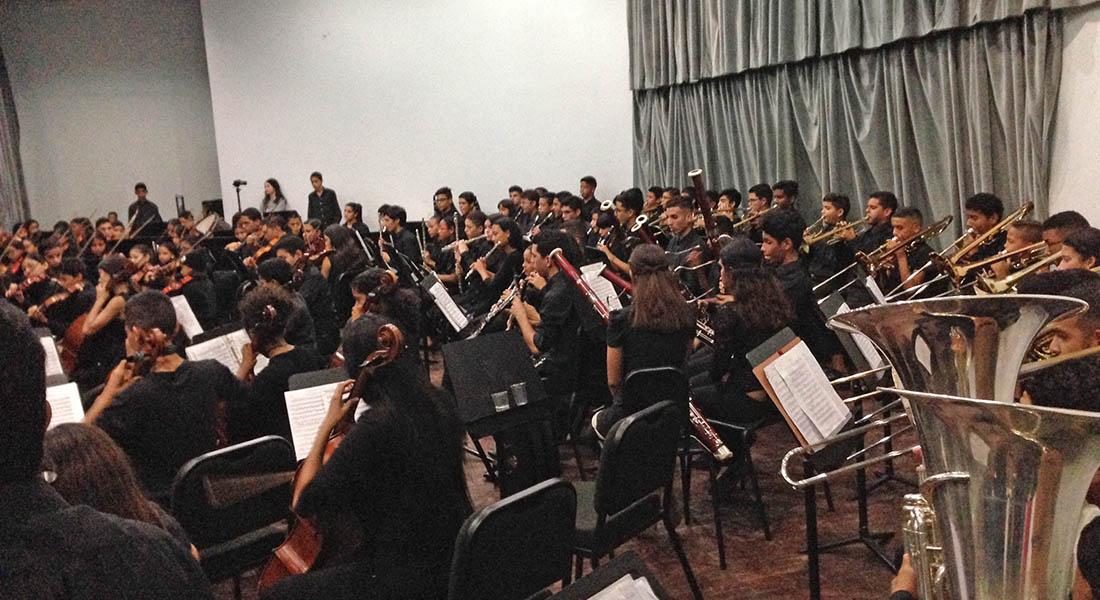 Orquesta Juvenil Regional de Falcón en concierto en el Teatro Omar Hurtado