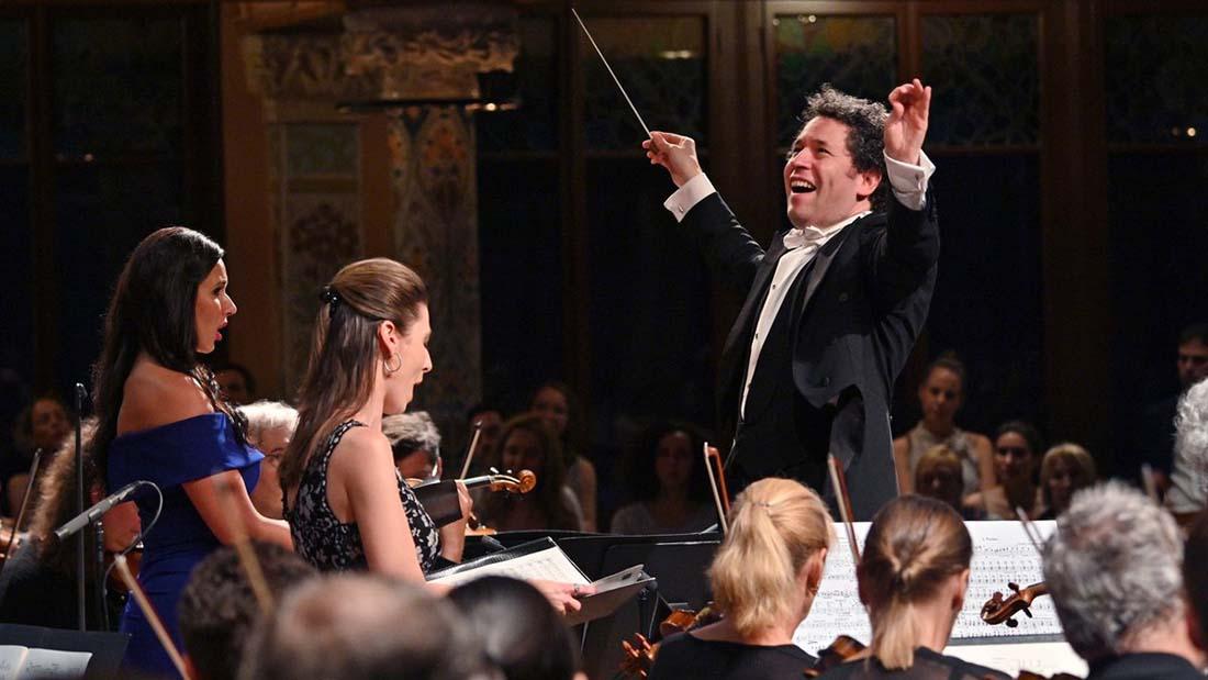 Gustavo Dudamel emociona en el Palau