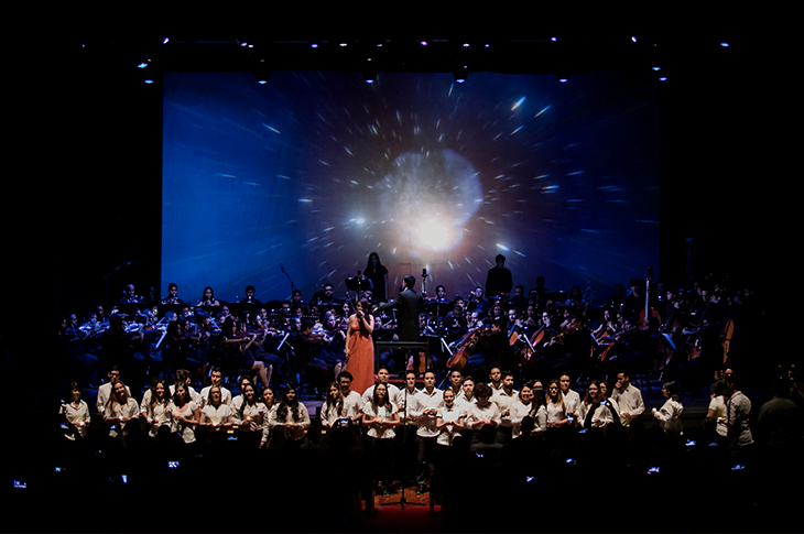 Latin Vox Machine y Latin Vox Choir conmemoran el Día Mundial del Refugiado en Argentina