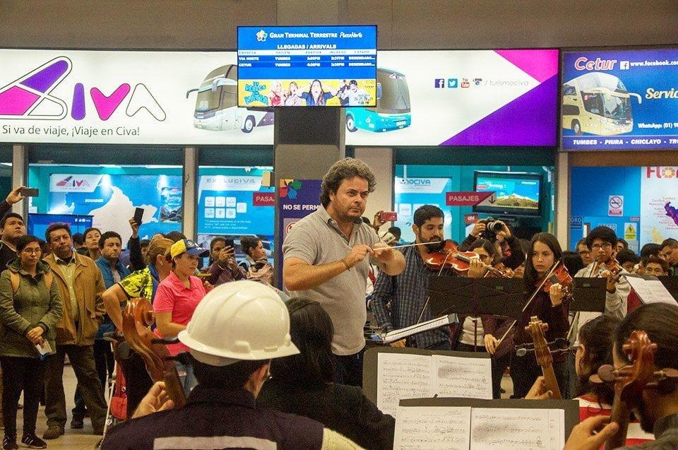 Orquesta que une a venezolanos y peruanos quiere brindar un concierto con apoyo del ACNUR