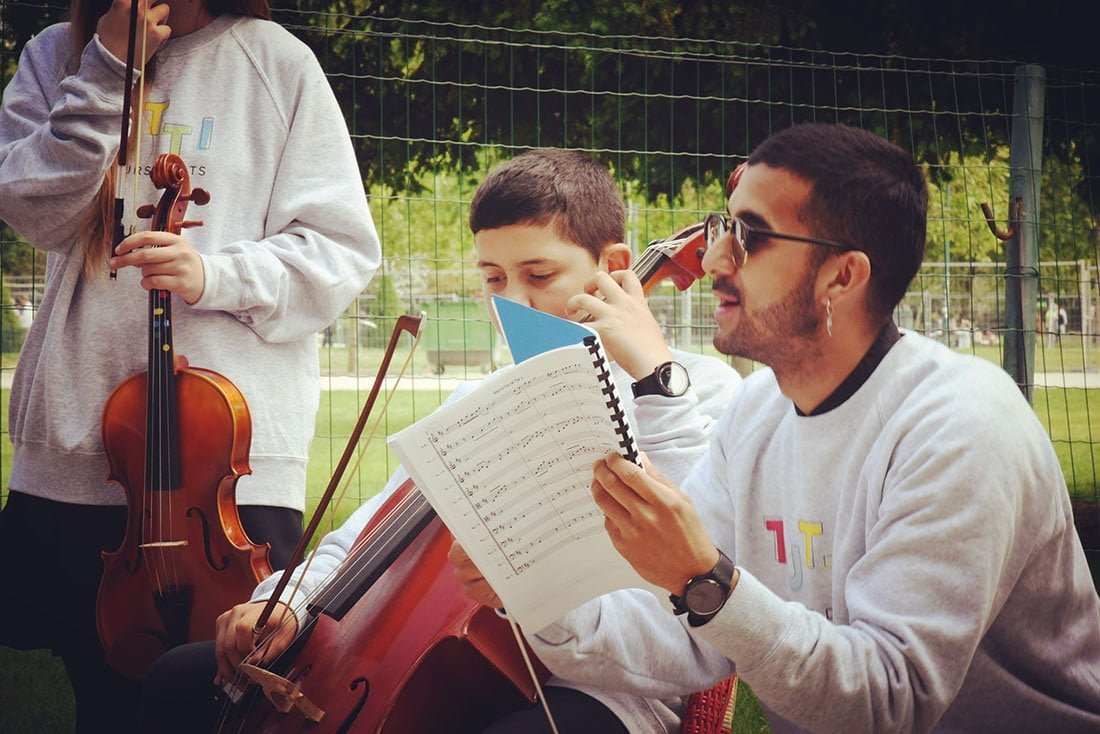 El venezolano Yefren Carrero trabaja junto a la gran violinista francesa Esther Abrami
