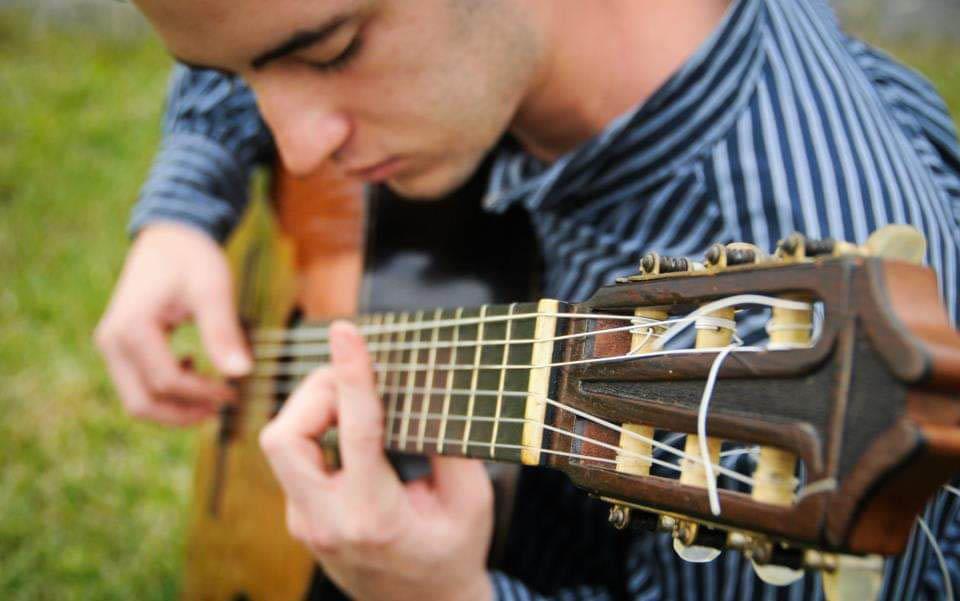 Expertos en música y matemática elogian el método para componer de Aureo Puerta Carreño