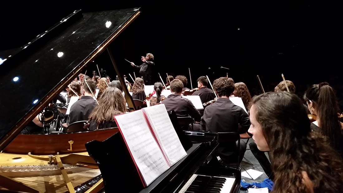 Gerardo Estrada conduce a la Orquesta Sinfónica de la Universidad Politécnica de Madrid en su primera gira Internacional