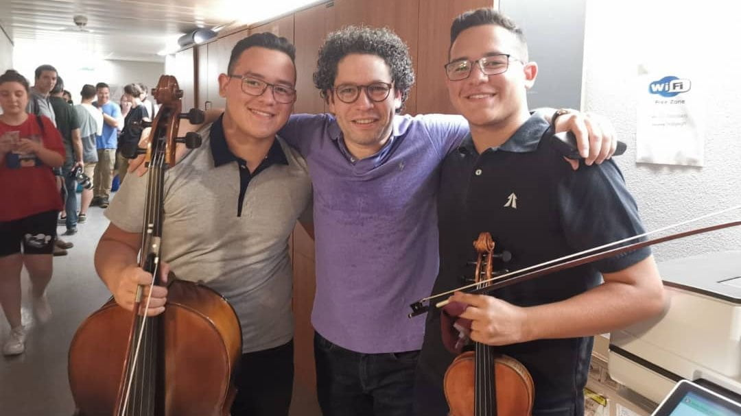 """Gustavo Dudamel """"alucina"""" a los jóvenes en su proyecto con la Mahler Chamber"""