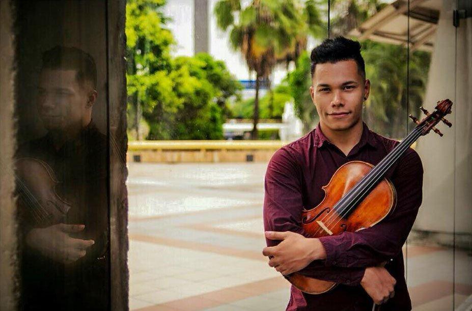 El violista venezolano Samuel Jiménez se presenta como solista en Ecuador