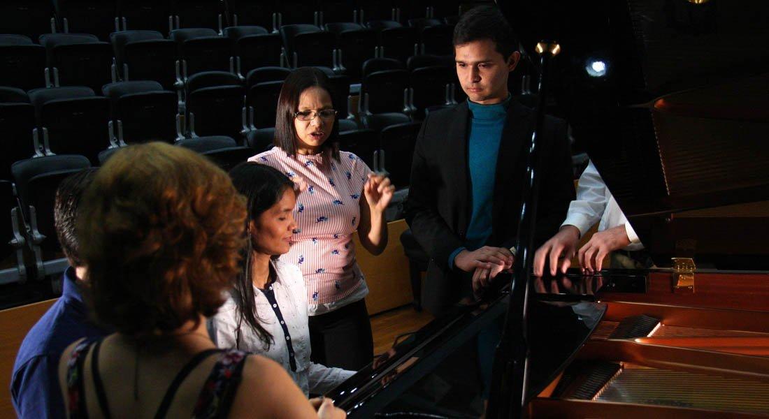 Cátedra de Entrenamiento Orquestal para Piano abre formación a nuevos profesionales