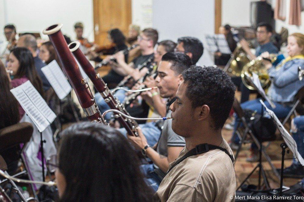 9 maestros colombo-venezolanos unieron fuerzas para constituir la Fundación para la Integración musical en Colombia