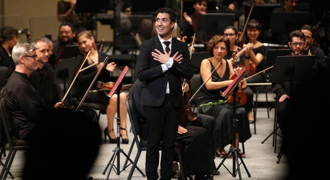 Joven director venezolano Rodolfo Barráez eleva su carrera con debuts en escenarios internacionales
