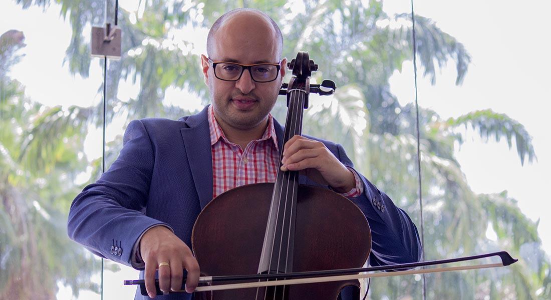 El cellista Benito Liendo alcanzó la cúspide y aún persigue sus sueños